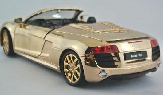 โมเดลรถเหล็ก โมเดลรถยนต์ Audi R8 ทอง 2