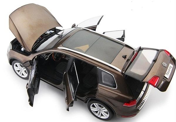 โมเดลรถ โมเดลรถเหล็ก โมเดลรถยนต์ Volkswagen Touareg 2010 brown 5