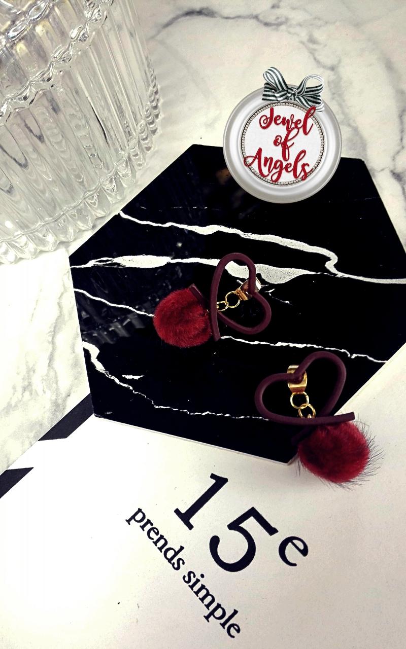 ต่างหูแฟชั่นสไตล์เกาหลีรูปหัวใจแต่งเฟอร์ปอมปอมสีไวน์แดง