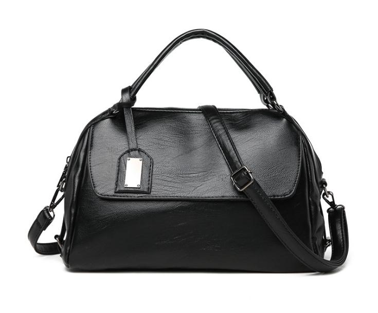 [ พร้อมส่ง Hi-End ] - กระเป๋าถือ/สะพาย สีดำคลาสสิค ทรงหมอนเท่ๆ ดีไซน์สวยเก๋เท่ๆ ดูดี งานหนังคุณภาพ ไม่เหมือนใคร