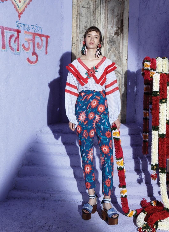 เสื้อผ้าแฟชั่นเกาหลีพร้อมส่ง กางเกงขายาวเอวาสูงพิมพ์ลายกราฟฟิกดอกไม้