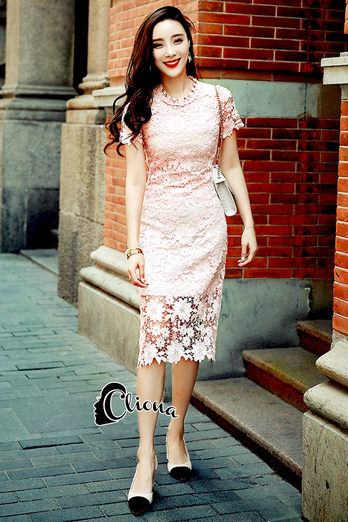 ชุดเดรสเกาหลี พร้อมส่งMini dress ลูกไม้แจนสั้นเนื้อถัก