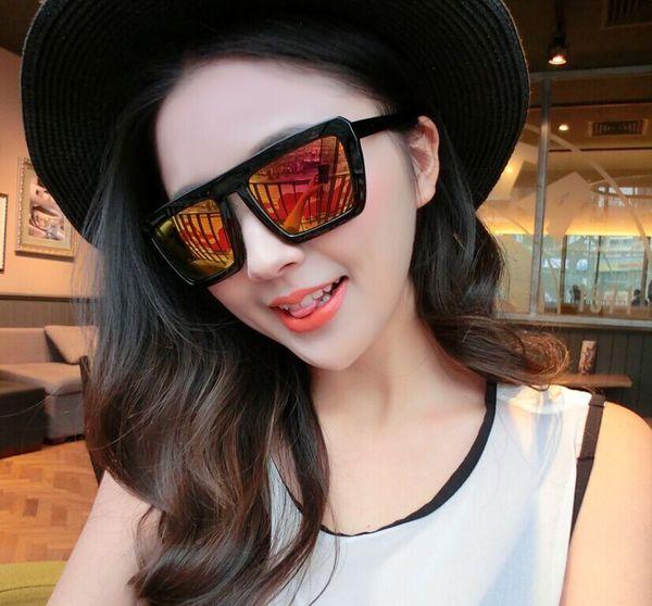 แว่นตากันแดดแฟชั่นเกาหลี กรอบดำ ฟิล์มปรอทสีทอง