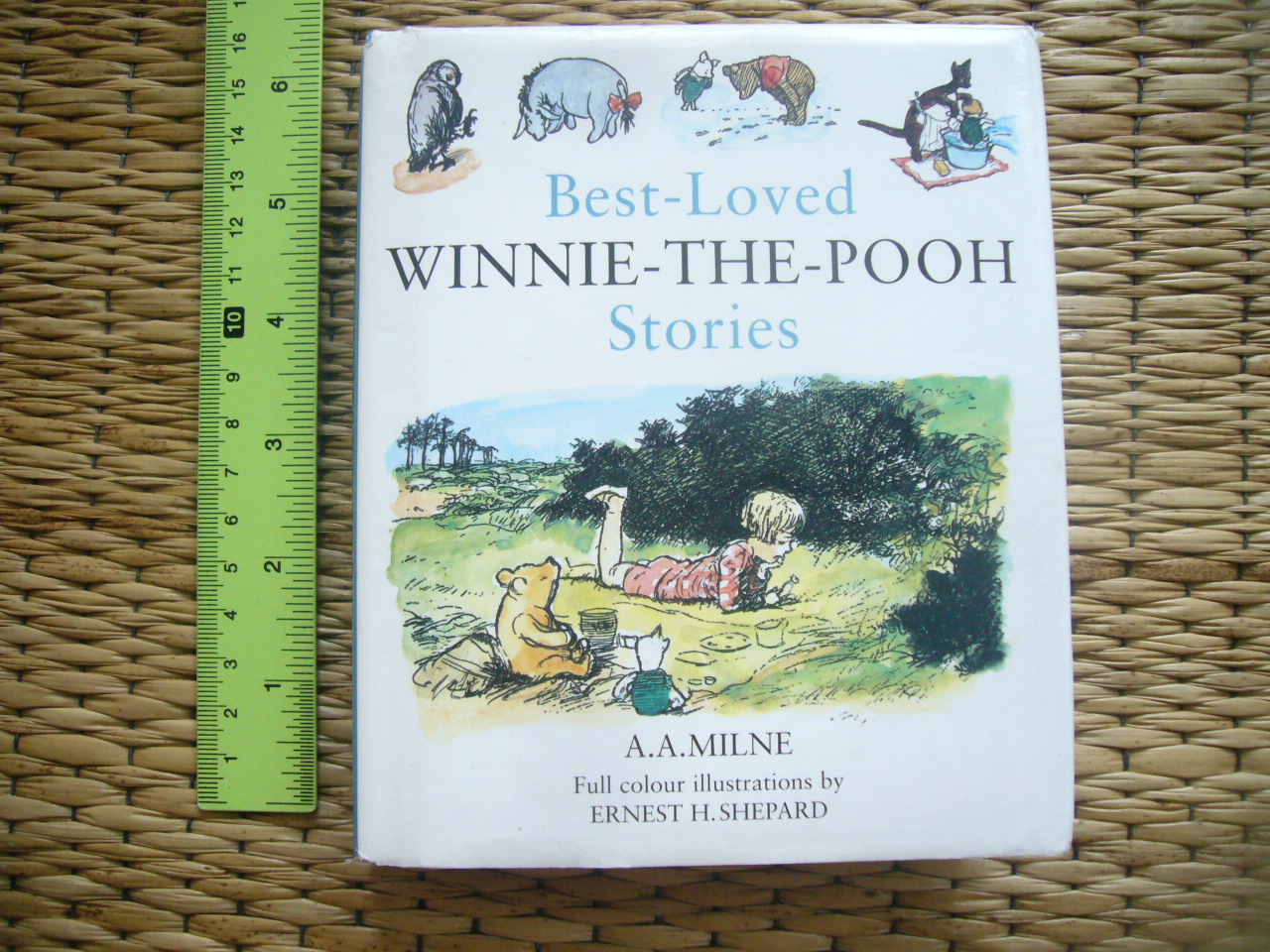 Best-Loved WINNIE-THE-POOH Stories