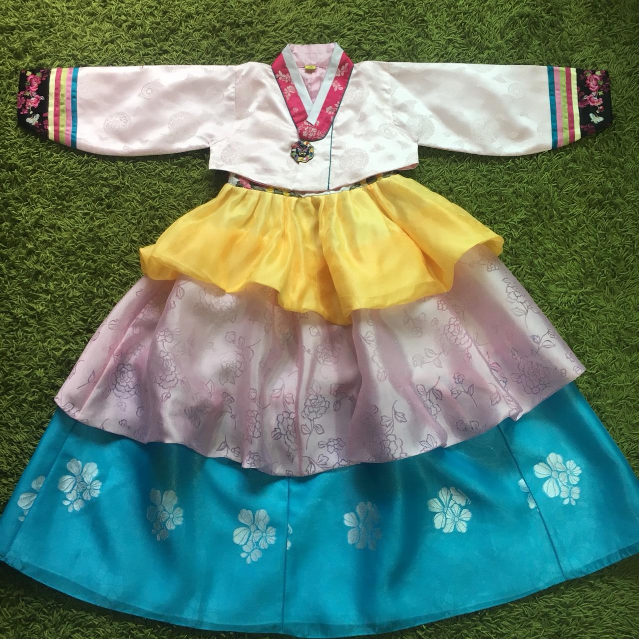 Hanbok Girl ฮันบกสีลูกกวาด สำหรับเด็ก 7 ขวบ