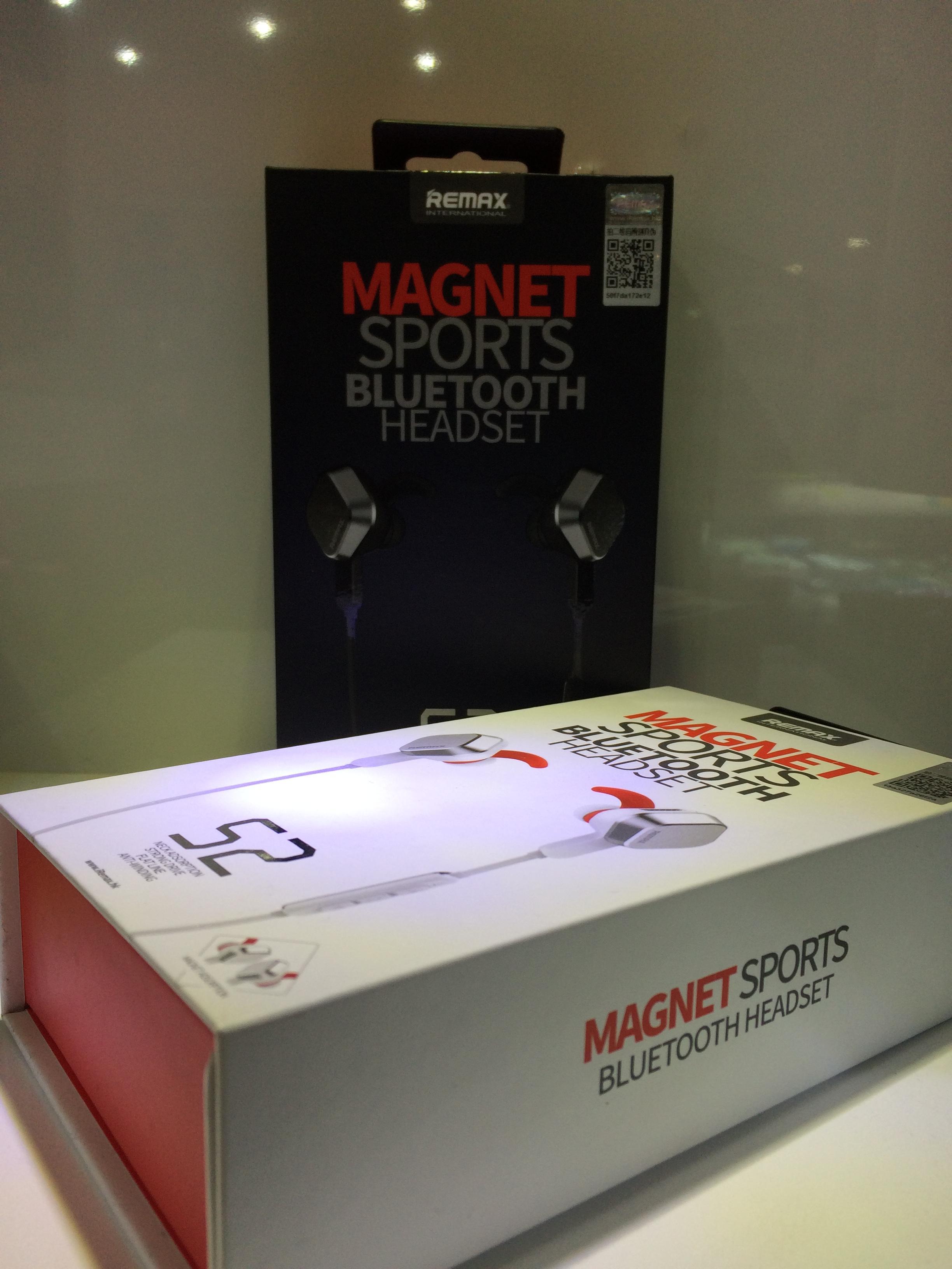 หูฟังบลูทูธแบบ Sport REMAX Magnet Bluetooth headset S2 - White