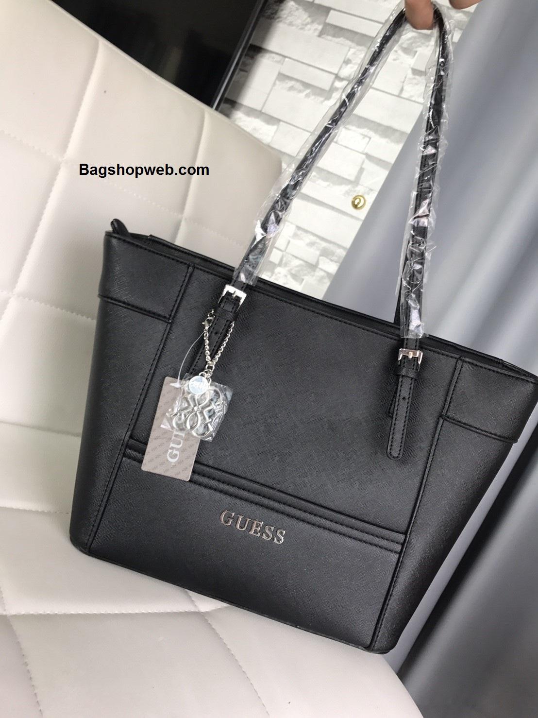 กระเป๋า GUESS Saffiano Prada Style with Bag Charm Brand สีดำ