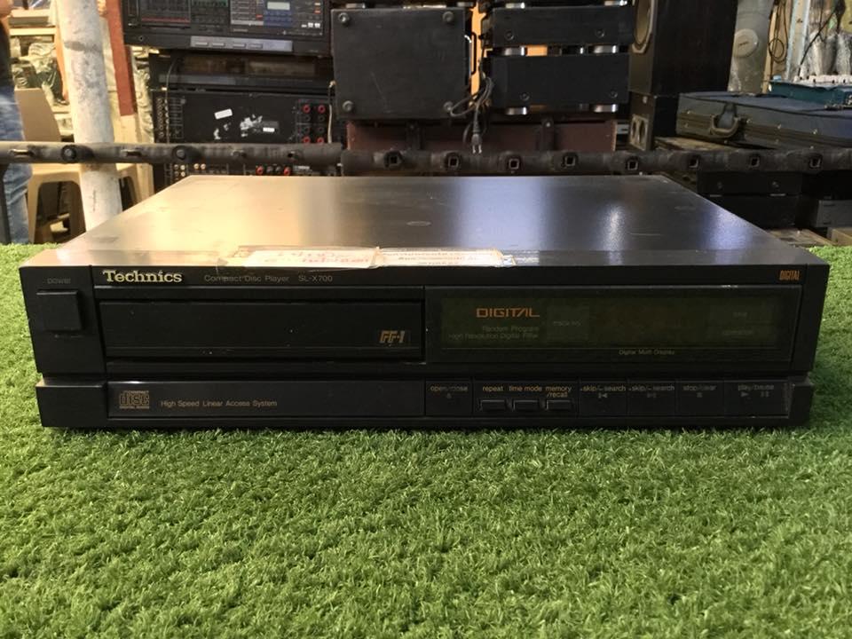 เครื่องเล่น CD TECHNICS SL-X700 สินค้าไม่พร้อมใช้งาน (ต้องซ่อม)