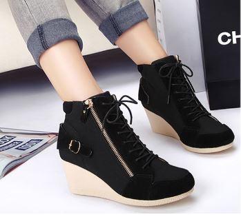รองเท้าผ้าใบส้นสูงสไตล์เกาหลี