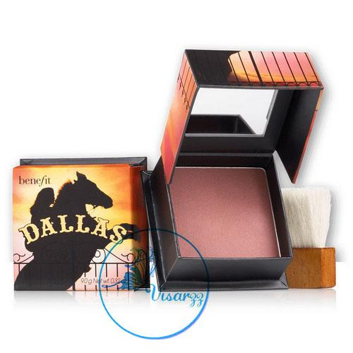 Benefit Dallas (Rosy bronze) 9g. ให้ใบหน้าสาวๆสว่างเป็นประกายแม้จะอยู่ในที่ร่ม เสมือนดั่งดอกกุหลาบได้รับแสงอาทิตย์