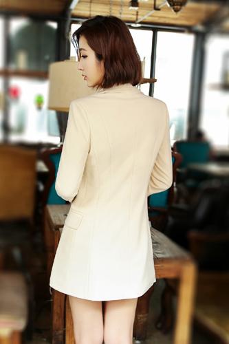 เสื้อสูทแฟชั่น เสื้อสูทผู้หญิง สีครีม แขนยาว ตัวยาวคลุมสะโพก