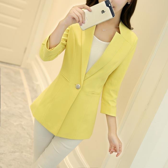 เสื้อสูทผู้หญิง เสื้อสูทแฟชั่น สีเหลือง แขนสี่ส่วน คอวี แต่งเว้าคอเสื้อ ยาวคลุมสะโพก