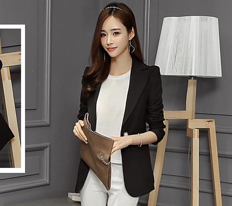เสื้อสูททำงานผู้หญิงสีดำ คอปก แขนยาว แต่งกระดุมมุก ทรงสวย ลุคสวย ดูดี สง่า