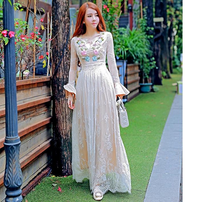 ชุดเดรสยาวสีขาว ปักลายดอกไม้ แขนยาว หรู ดูดี สวยหวานสไตล์เจ้าหญิง