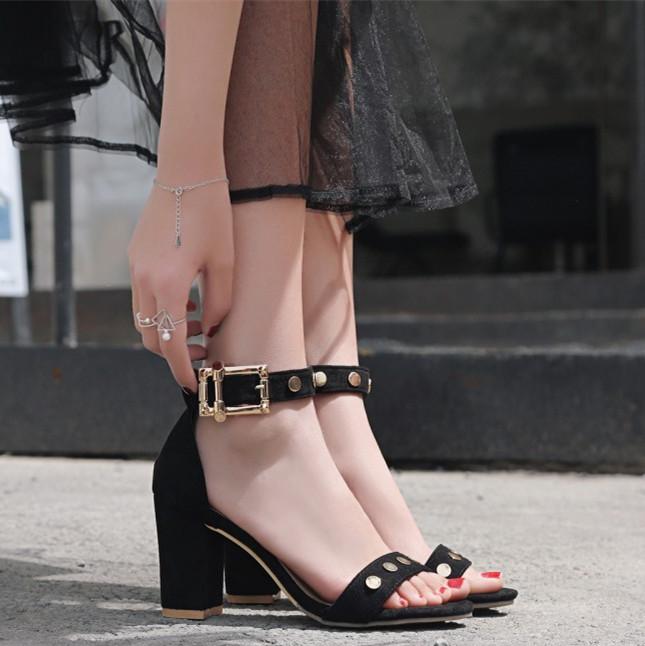 พรีอเดอร์ รองเท้าแฟชั่น 30-48 รหัส Y-2850