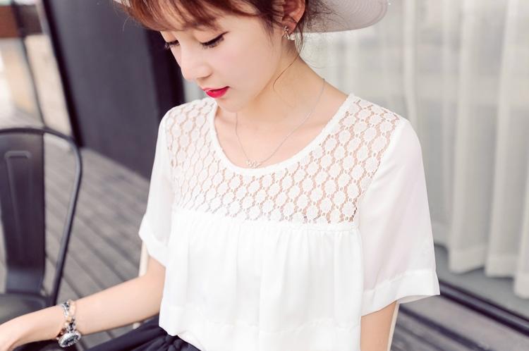 เสื้อชีฟองสีขาวแต่งด้วยผ้าลูกไม้