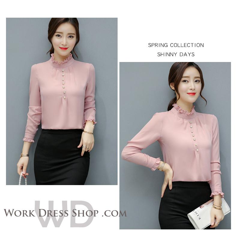 Preorder เสื้อทำงาน สีชมพูกลีบบัว คอตั้ง แต่งระบายช่วงคอและแขนสวยงาม เนื้อผ้าระบายอากาศได้ดี