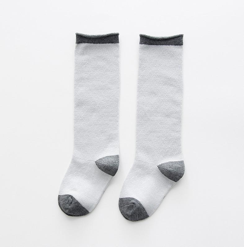 ถุงเท้ายาว สีเทา แพ็ค 10 คู่ ไซส์ S (อายุประมาณ 0-1 ปี)