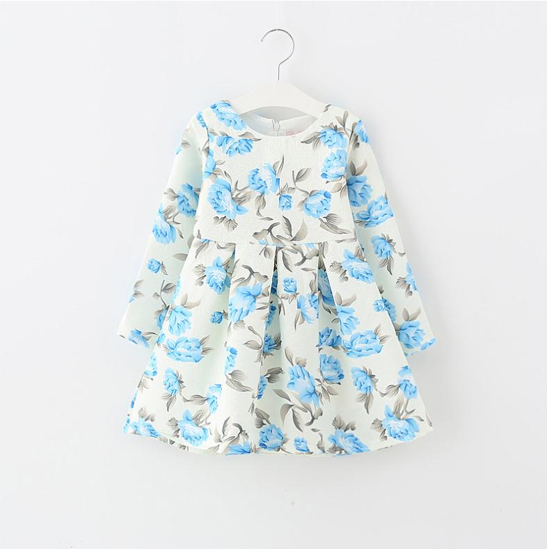 ชุดกระโปรง สีขาวดอกสีฟ้า แพ็ค 5ชุด ไซส์ 100-110-120-130-140