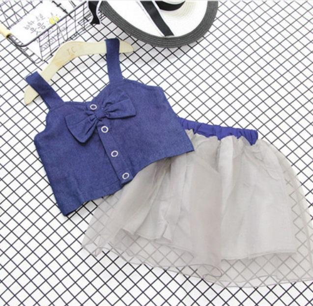 ชุดเซตเสื้อสายเดี่ยวสียีนส์+กระโปรงสีเทา แพ็ค 4 ชุด [size 3y-4y-5y-6y]