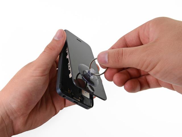 วิธีเปลี่ยนแบต iPhone 5 ขั้นที่ 5