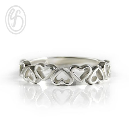แหวนเงินเกลี้ยง เงินแท้ 92.5% ขัดเงา หน้าหว้าง 4 มม. หน้าแหวนทำรูปหัวใจ เหมาะเป็นของขวัญในวันพิเศษให้คนพิเศษของคุณ