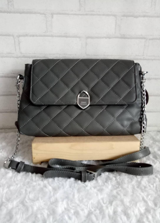 กระเป๋าแบรนด์พิมมี่ ขนาด 11 นิ้ว สะพายได้ เป็นกระเป๋าคลัทช์เก๋ๆได้ หนังนิ่มลายนูน
