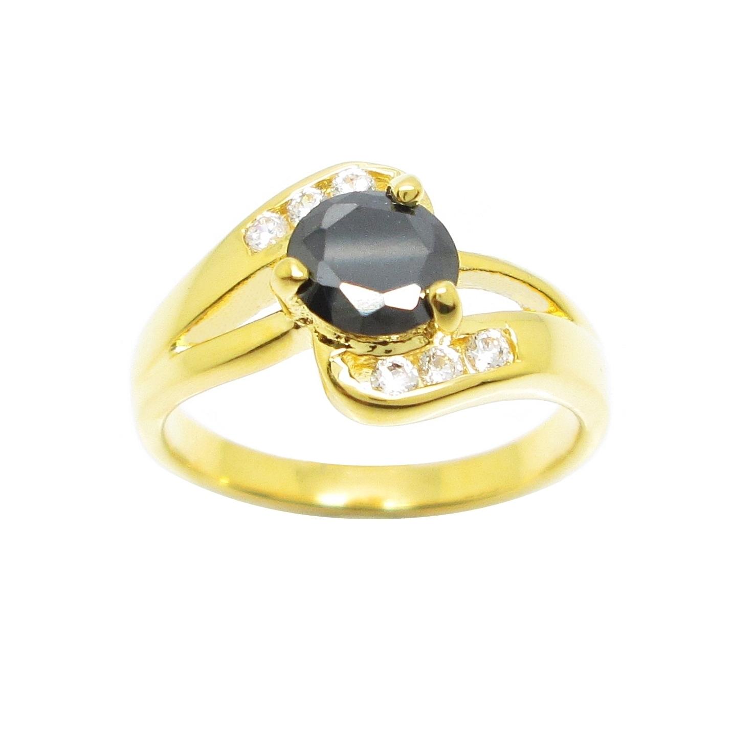 แหวนพลอยสีนิลประดับเพชรก้านแยกชุบทอง