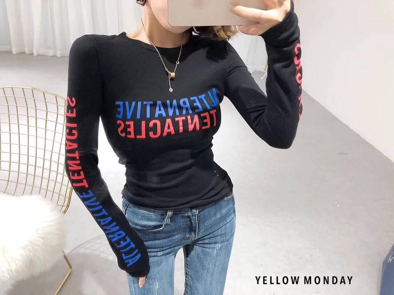 เสื้อยืดแขนยาวแฟชั่นสีดำ