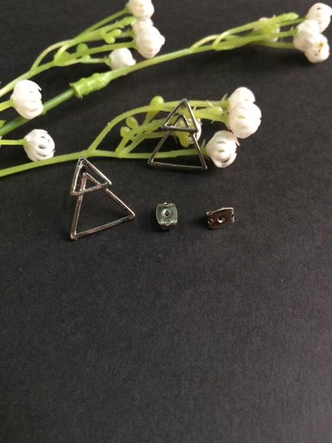 Double triangles earrings