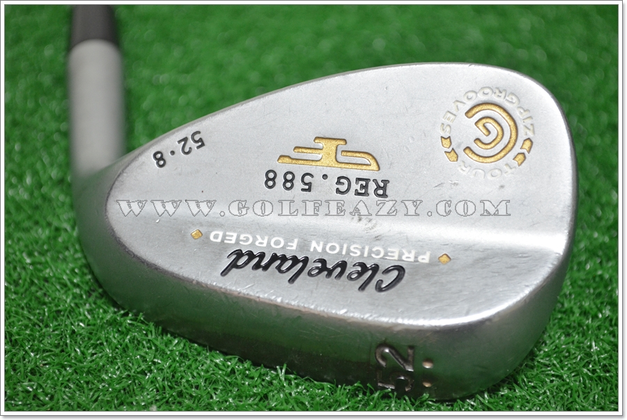 CLEVELAND 588 FORGED WEDGE 52.08 DYNAMIC GOLD FLEX WEDGE