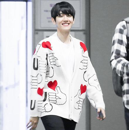 เสื้อคลุมคาร์ดิแกนแบบ Baekhyun 2016 -ระบุสีไซต์-