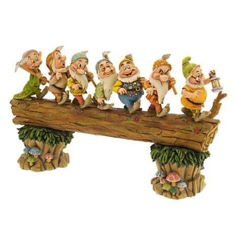 z ''Homeward Bound'' Seven Dwarfs Figurine by Jim Shore