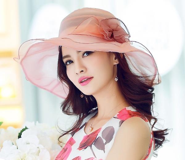 Pre-order หมวกผ้าไหมแท้ติดโบว์ดอกไม้แฟชั่นฤดูร้อน กันแดด กันแสงยูวี สวยหวาน สีชมพู