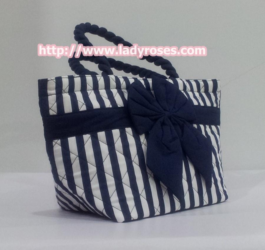 กระเป๋าถือ นารายา Size S ผ้าคอตตอน ลายทาง น้ำเงิน-ขาว ผูกโบว์ สีน้ำเงิน สายหิ้ว หูเกลียว (กระเป๋านารายา กระเป๋าผ้า NaRaYa กระเป๋าแฟชั่น)