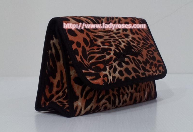 กระเป๋าเครื่องสำอางค์ นารายา ผ้าคอตตอน ลายเสือ มีกระจกในตัว Size L (กระเป๋านารายา กระเป๋าผ้า NaRaYa)