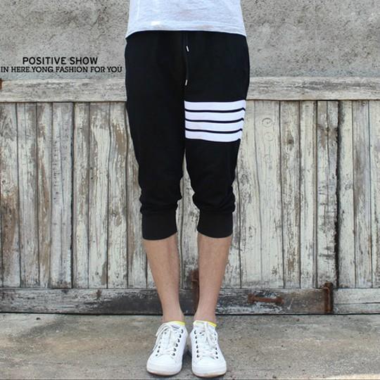 Pre Order กางเกงขาห้าส่วน ใส่ออกกำลังกาย ดีไซน์ Sport แต่งแถบคาด มี2สี