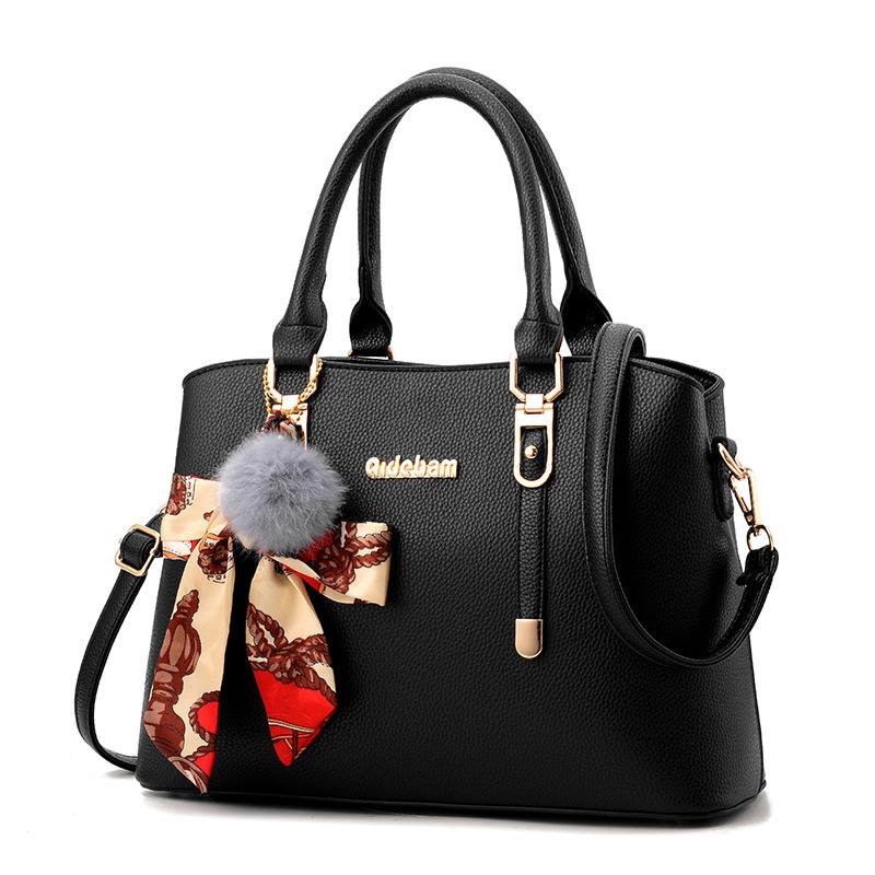 Pre-order กระเป๋าผู้หญิงถือและสะพายข้างแฟชั่นสไตล์ยุโรป เรียบหรู รหัส Yi-2962 สีดำ *แถมโบว์ผ้าสุ่มสี