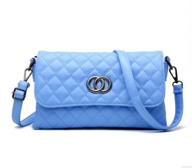 Pre-order กระเป๋าสะพายข้างแต่ง OO แฟชั่นสไตล์ Chanel เย็บลายตารางรหัส KO-539 สีฟ้า