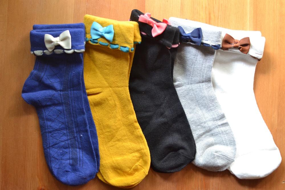 S402**พร้อมส่ง** (ปลีก+ส่ง) ถุงเท้าแฟชั่นเกาหลี พับข้อติดโบว์ มี 10 คู่ต่อแพ็ค คละ 5 สี เนื้อดี งานนำเข้า(Made in China)