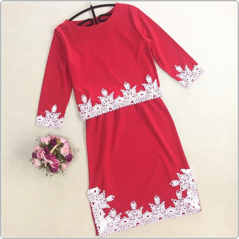 เสื้อผ้าแฟชั่นสีแดง
